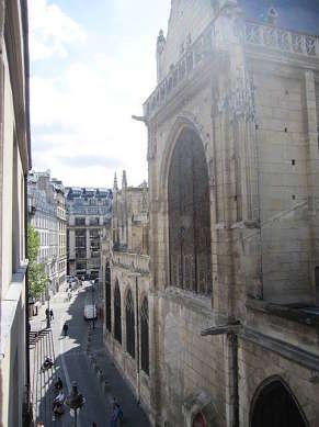 Séjour calme et lumineux d'un appartementà Paris