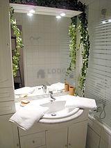 Apartment Paris 17° - Bathroom