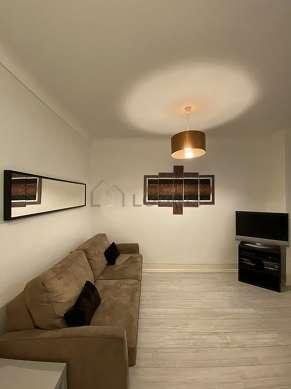 Séjour calme équipé de 1 canapé(s) lit(s) de 140cm, télé, chaine hifi