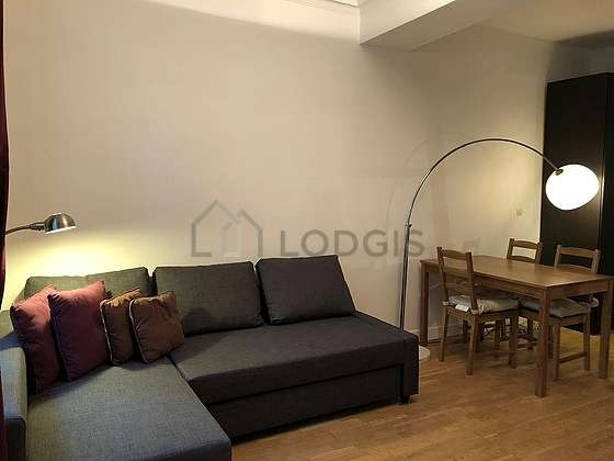 Quiet living room furnished with 1 loft bed(s) of 140cm, 1 sofabed(s) of 140cm, tv, closet