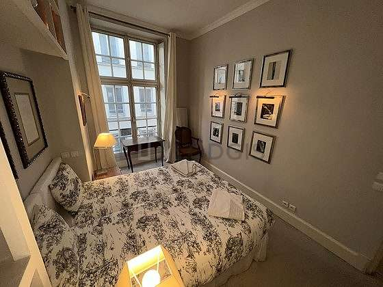 Very quiet bedroom for 2 persons equipped with 2 bed(s) of 80cm
