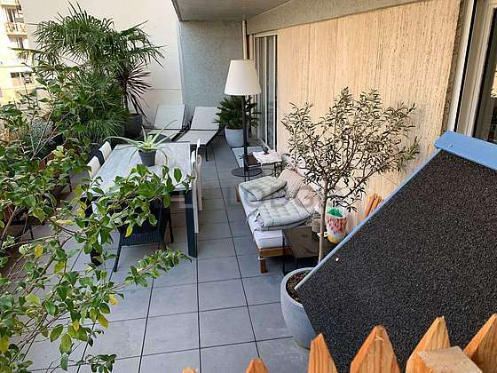 Balcony equipped with 2 armchair(s)