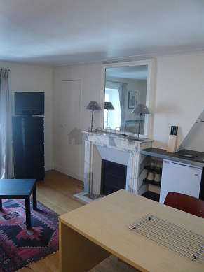 Very quiet living room furnished with 1 sofabed(s) of 90cm, coffee table, cupboard