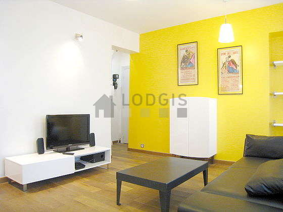 Very quiet living room furnished with 1 sofabed(s) of 110cm, tv, dvd player, wardrobe