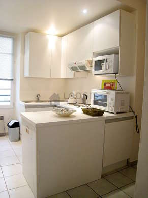 Kitchen where you can have dinner for 4 person(s) equipped with dishwasher, hob, refrigerator, freezer