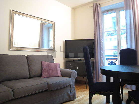 Quiet living room furnished with 1 sofabed(s) of 160cm, tv, dvd player, storage space