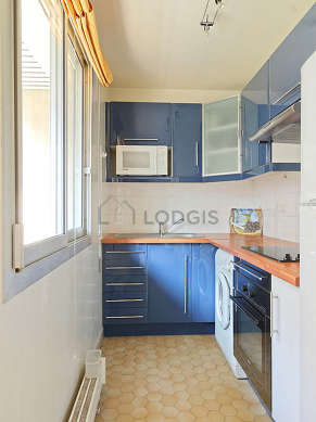 Beautiful kitchen of 4m² with tilefloor