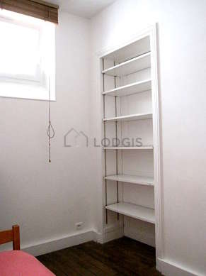 Very quiet bedroom for 1 persons equipped with 1 pullout bed(s) of 90cm