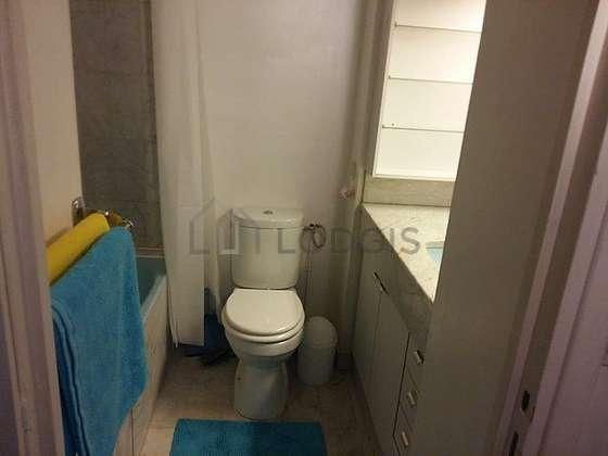Bathroom with marblefloor