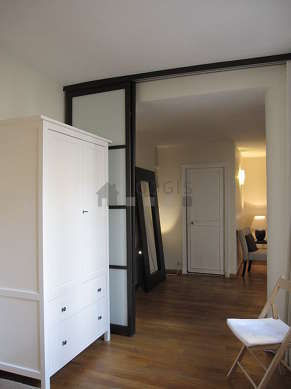 Bright alcove equipped with 1 bed(s) of 140cm, 1 chair(s)