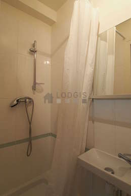 Bathroom with tilefloor