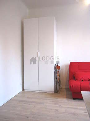 Living room furnished with 1 sofabed(s) of 130cm, tv, hi-fi stereo, wardrobe