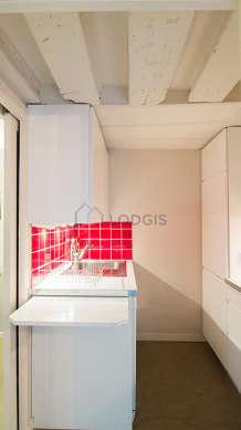 Beautiful kitchen with concretefloor