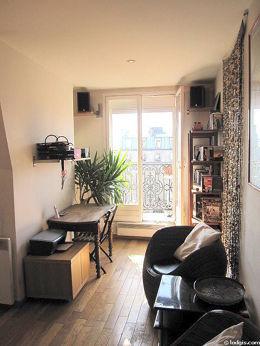 Séjour calme équipé de télé, chaine hifi, 2 fauteuil(s), 1 chaise(s)