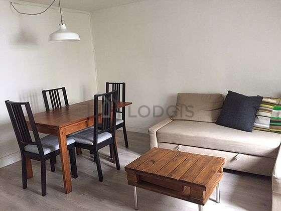 Séjour équipé de télé, 2 fauteuil(s), 3 chaise(s)