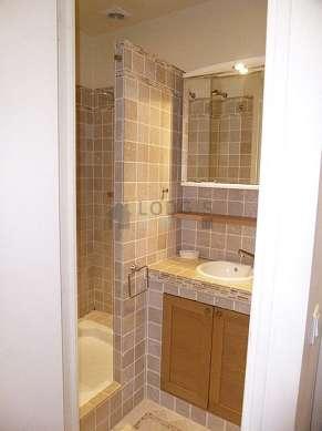 Pleasant bathroom with marblefloor