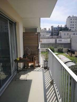 Very quiet and bright balcony with concretefloor