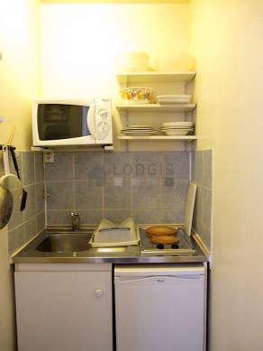 Kitchen of 1m² with tilefloor