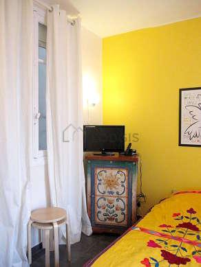 Bedroom of 9m² with tilefloor