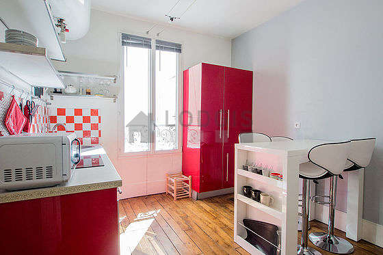 Beautiful kitchen of 9m² with woodenfloor