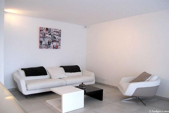 Séjour très calme équipé de télé, lecteur de dvd, 1 fauteuil(s), 2 chaise(s)