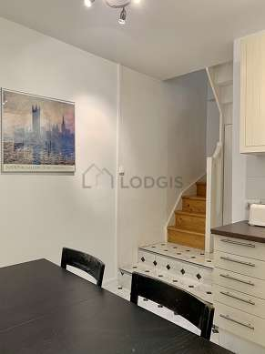 Kitchen where you can have dinner for 5 person(s) equipped with dishwasher, hob, refrigerator, extractor hood