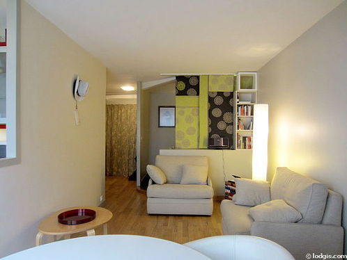 Living room furnished with 1 sofabed(s) of 80cm, tv, hi-fi stereo, 2 armchair(s)