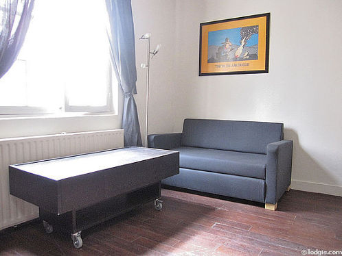 Salon avec du linoleumau sol