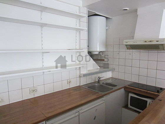 Great kitchen with floor tilesfloor