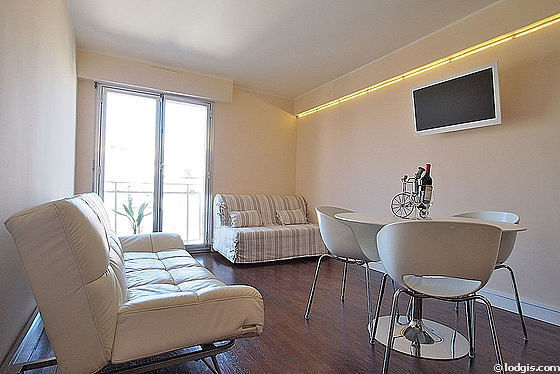 Quiet living room furnished with 1 sofabed(s) of 90cm, 1 sofabed(s) of 140cm, tv, 4 chair(s)