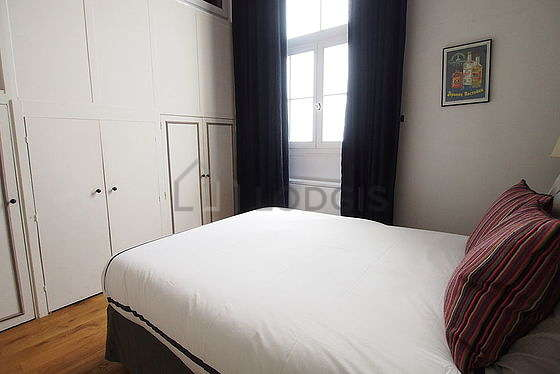 Very bright bedroom equipped with desk, wardrobe, cupboard, 1 chair(s)