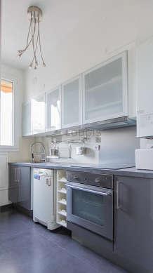 Magnifique cuisine de 9m² avec du carrelageau sol