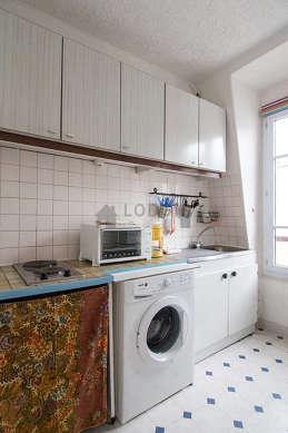 Beautiful kitchen with linoleumfloor