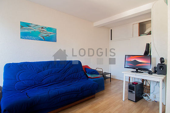 Living room furnished with 2 sofabed(s) of 80cm, 1 sofabed(s) of 140cm, tv