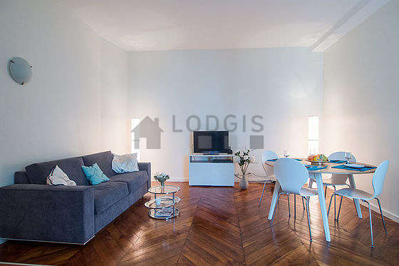 Very quiet living room furnished with 1 sofabed(s) of 140cm, tv, hi-fi stereo, 5 chair(s)