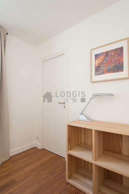 Very quiet bedroom for 2 persons equipped with 1 pullout bed(s) of 90cm, 1 sofabed(s) of 90cm