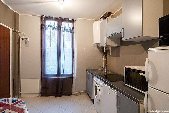 Kitchen with tilefloor