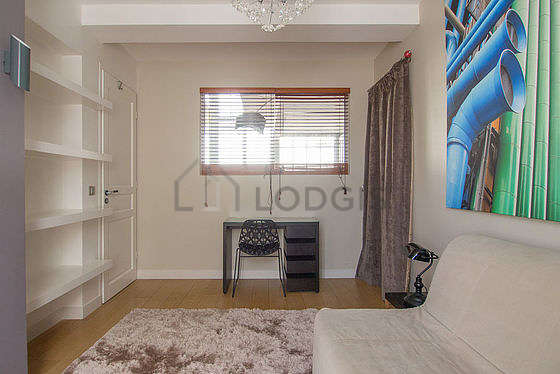 Quiet bedroom for 2 persons equipped with 1 sofabed(s) of 130cm