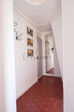 Beautiful entrance with floor tilesfloor