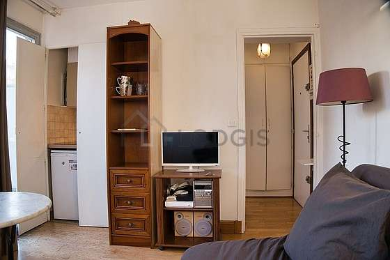 Very quiet living room furnished with 1 sofabed(s) of 140cm, tv, hi-fi stereo, wardrobe