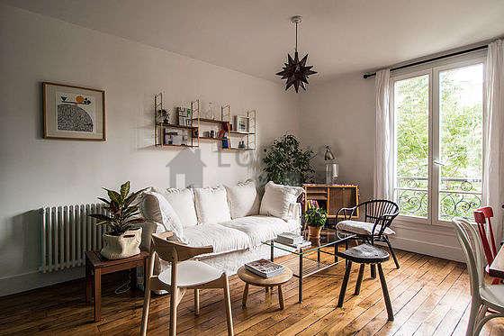 Séjour calme équipé de télé, 1 fauteuil(s), 5 chaise(s)