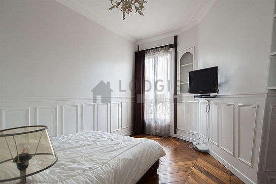 Bedroom of 10m²
