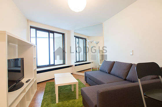 Quiet living room furnished with 1 sofabed(s) of 140cm, tv