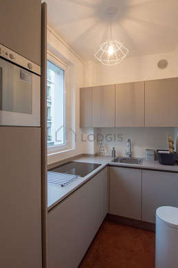 Beautiful kitchen of 5m² with floor tilesfloor
