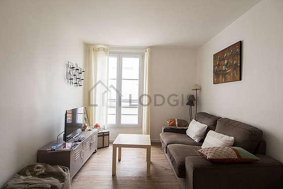 Living room with linoleumfloor