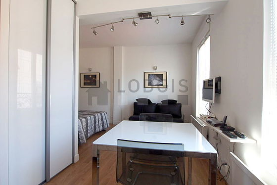Very quiet living room furnished with 1 sofabed(s) of 140cm, 1 bed(s) of 140cm, tv, storage space