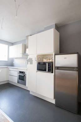 Beautiful kitchen of 6m² with concretefloor
