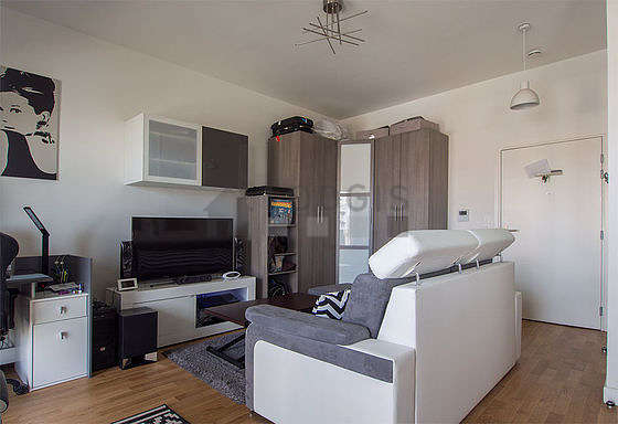 Quiet living room furnished with 1 sofabed(s) of 140cm, home cinema, tv, hi-fi stereo