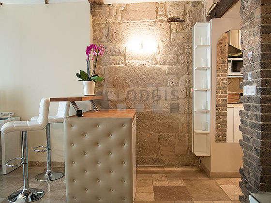 Magnifique cuisine de 2m² avec du marbreau sol