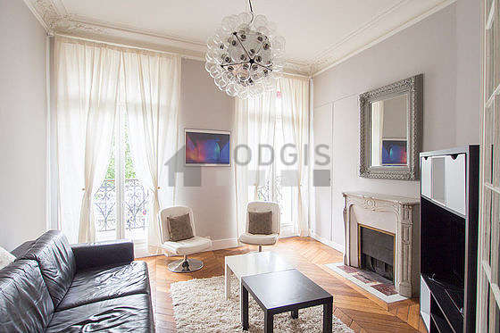 Quiet living room furnished with 1 sofabed(s) of 140cm, tv, 2 armchair(s)